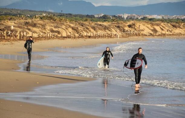 Tu Tienda y Escuela de Surf en Alicante: Delocos Surf Shop. Surf, Paddle Surf, Surfskate. Todo lo que necesitas para disfrutar del Surf.