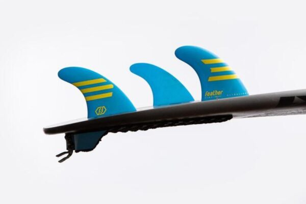 quillas-de-surf-feather-fins-hc-epoxy-ultraligth-dual tab-azul-amarillo-3