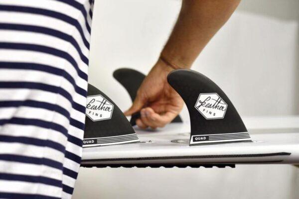 quillas-de-surf-quad-black-ultralight-medium-dual-tab-2